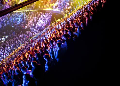 http://made-design.fr/INDEXHIBIT/files/gimgs/6_enfoires-2011-arena-publicsamedi.jpg
